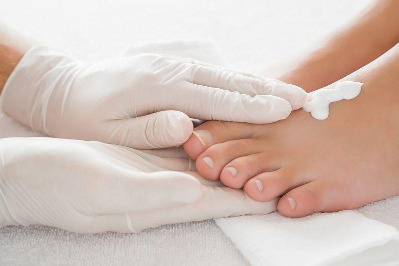Medizinische-Fußpflege-Fuß-Behandlung